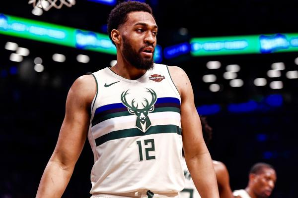 db4181dd4b3 Jabari Parker has logged just 25 minutes through the Milwaukee Bucks  first  two games against the Boston Celtics. And he s not happy about it.
